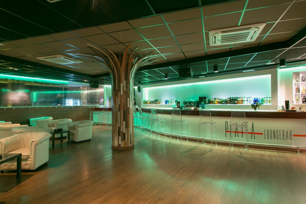 PLATEA LOUNGEBAR
